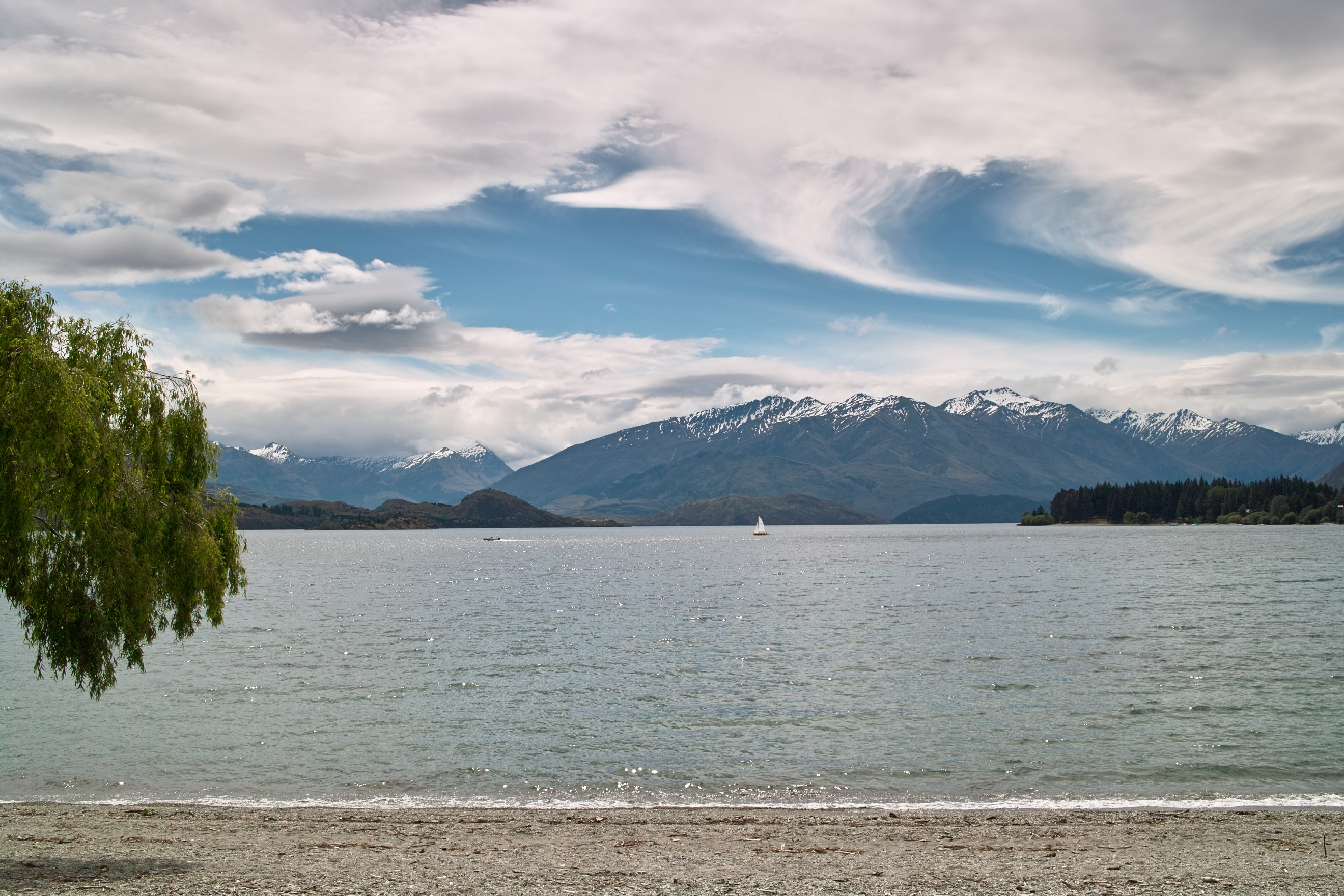2133 - Late afternoon view of Lake Wanaka from Wanaka waterfront