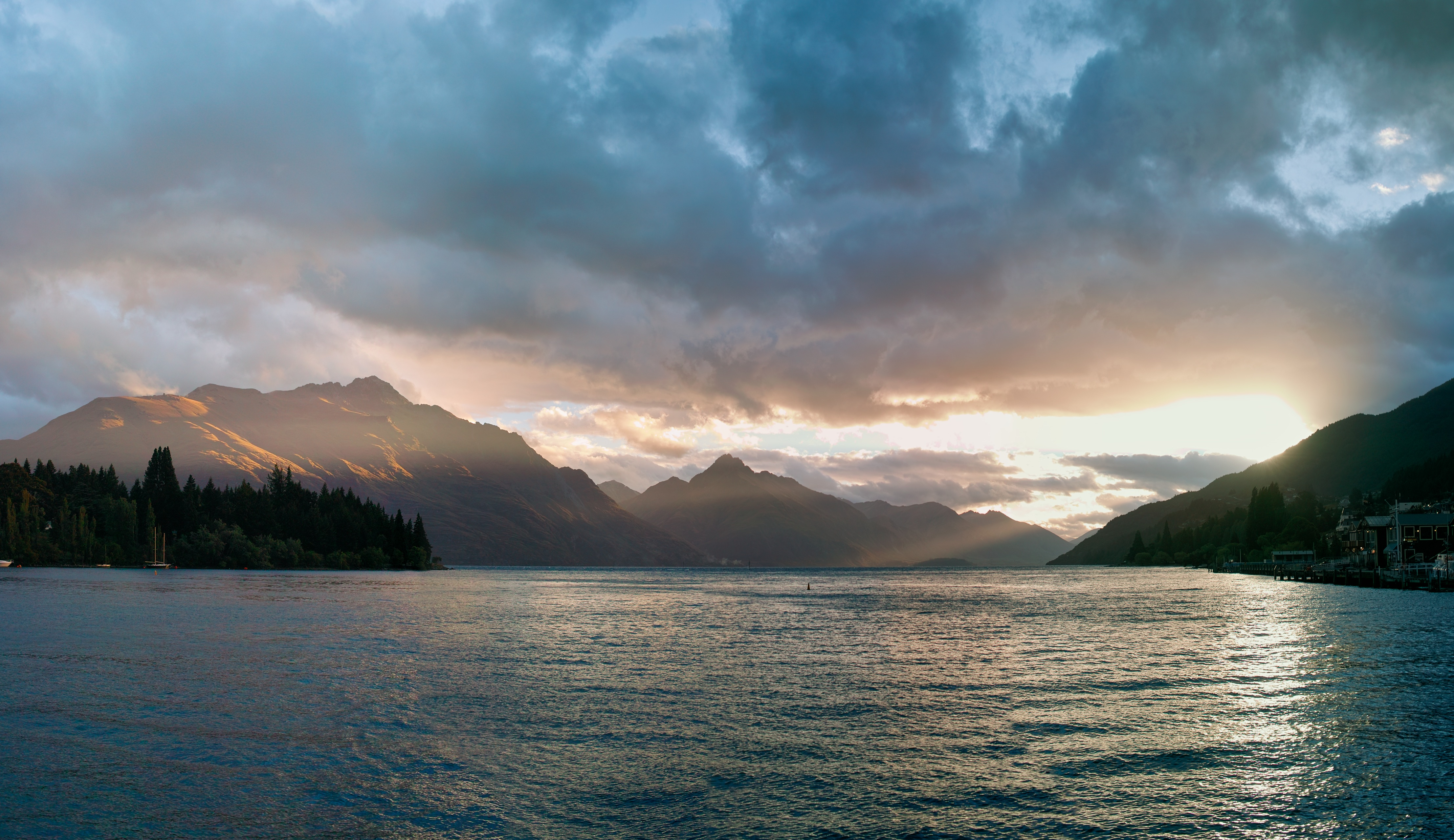 Sunset over Lake Wakatipu from the Queenstown waterfront
